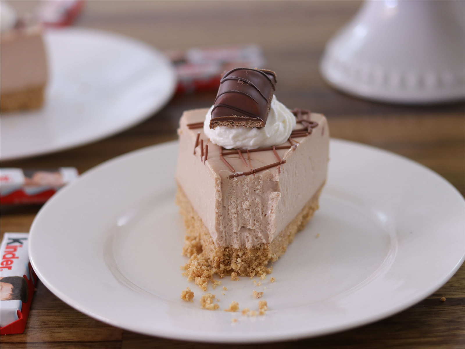 No Bake Kinder Bueno Cheesecake Recipe The Cooking Foodie