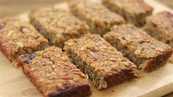 Healthy Oatmeal Bars Recipe (Vegan)